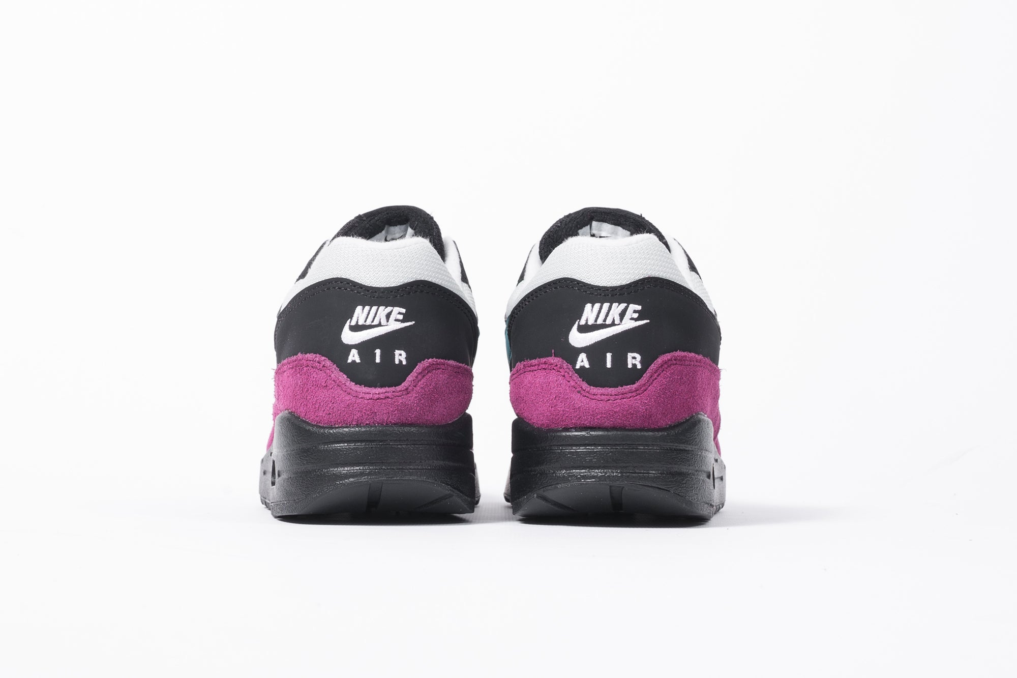 finest selection 572e2 8a423 NIKE WMNS AIR MAX 1