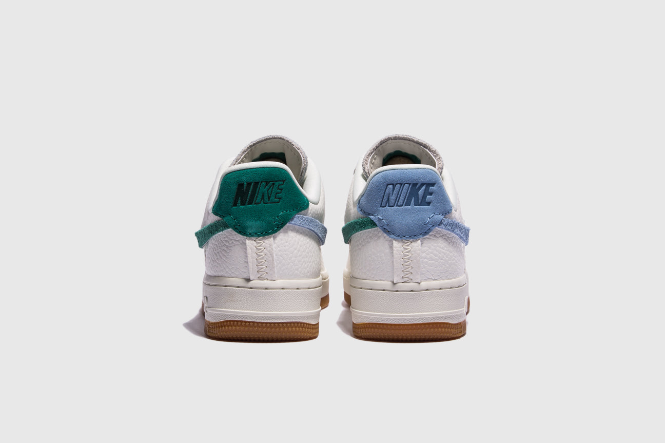 "NIKE WMNS AIR FORCE 1 '07 LXX ""MYSTIC GREEN"""