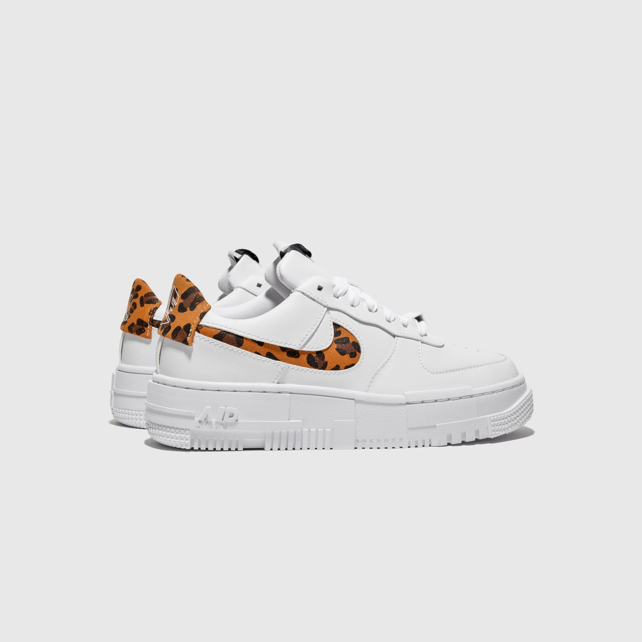 "NIKE WMNS AIR FORCE 1 PIXEL SE ""CHEETAH"""