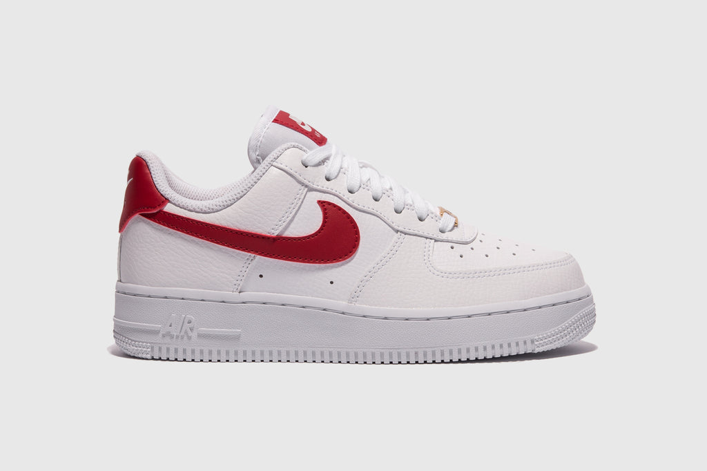 "NIKE WMNS AIR FORCE 1 '07 ""GYM RED"""