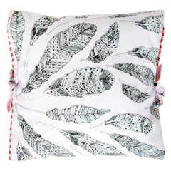 Groupe de Plumes | Small Cushion