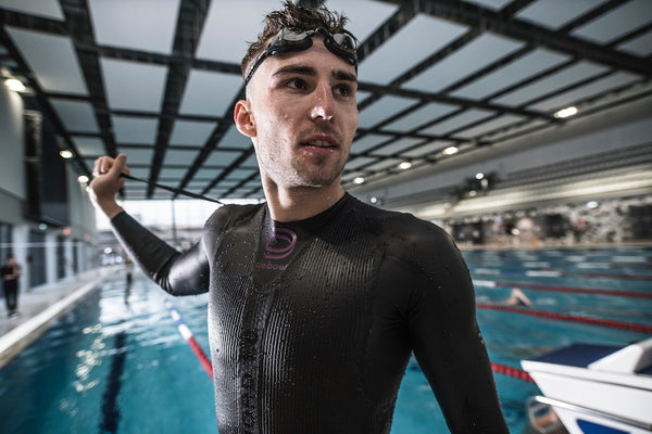 Polish Professional Triathlete, Robert Wilkowiecki, aims to go sub-8 during an indoor Ironman - deboer wetsuits
