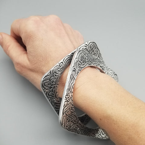 Antique Design Silver Tone Square Bangle