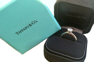 Tiffany & Co .86ct G/VS1 Round Brilliant Diamond Engagement Ring