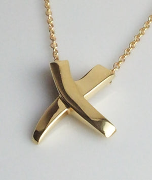 Tiffany & Co. 18K Gold 'Kiss X' Paloma Picasso Pendant on 16 inch chain necklace