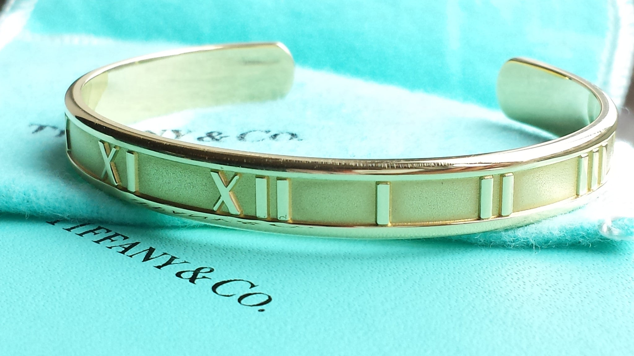 Tiffany & Co. Atlas Open Cuff Bracelet / Bangle in 18K Yellow Gold