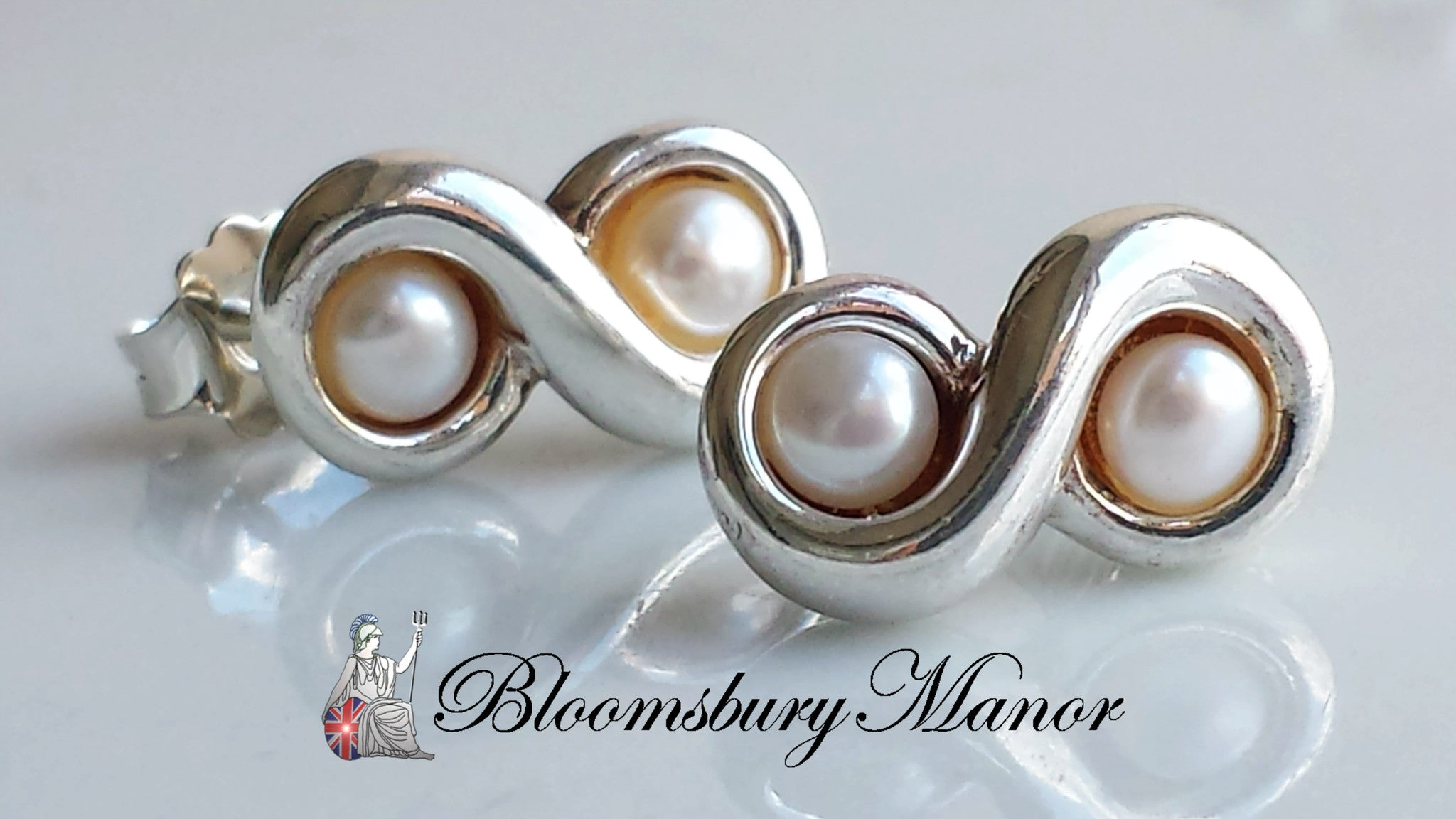 7c7d1321f Tiffany & Co. Vintage Freshwater Pearl Sterling Silver Infinity (8) St -  Bloomsbury Manor Ltd