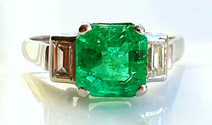 Art Deco 2.04ct Colombian Natural Emerald & Diamond Ring in Platinum