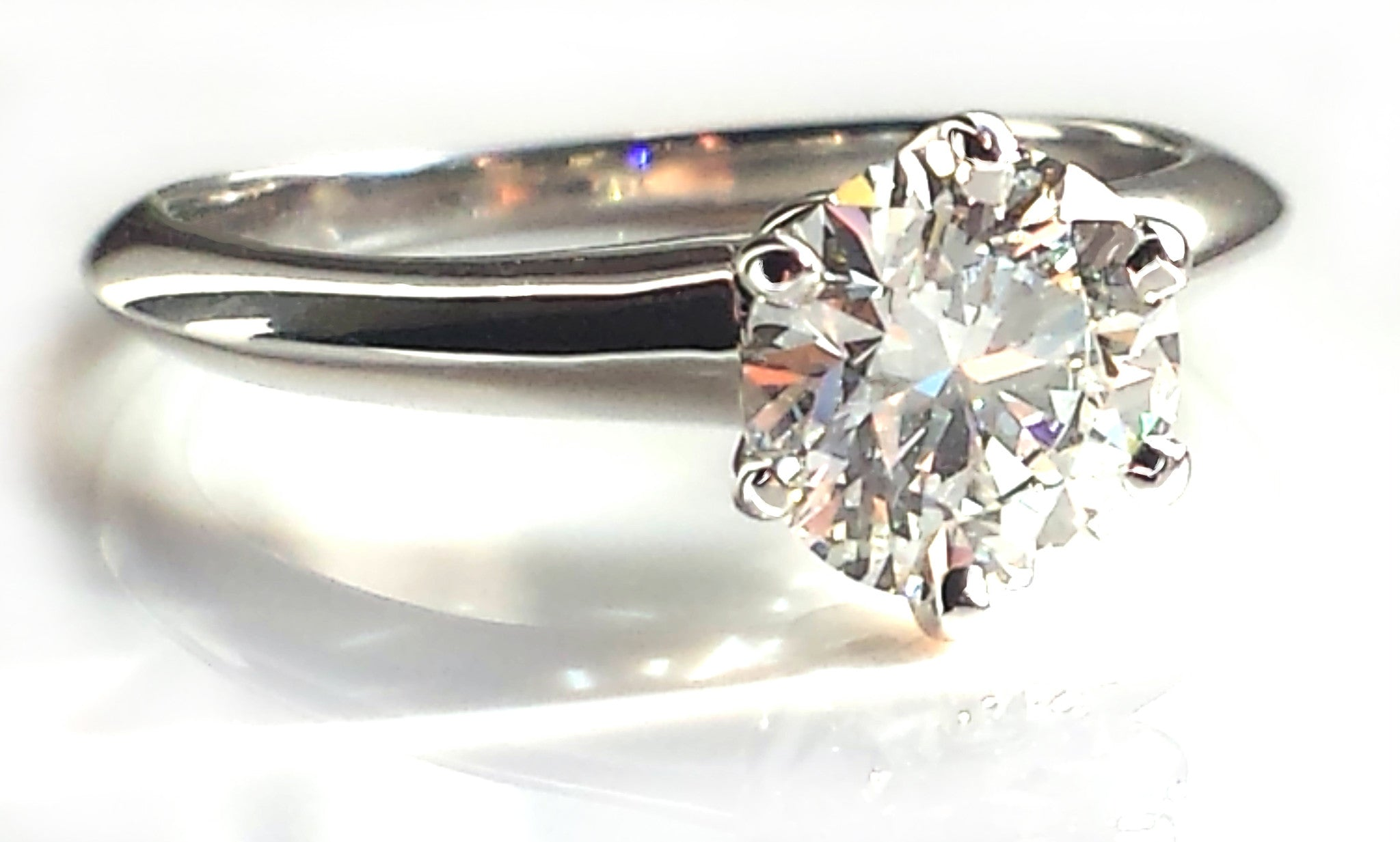 Tiffany & Co. 1.09ct G/VVS2 Round Brilliant Cut Diamond Engagement Ring