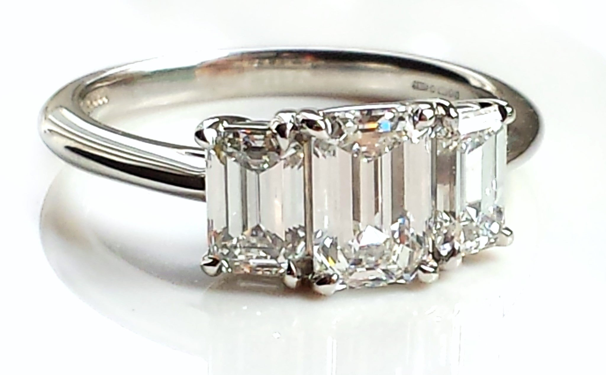 platinum rd brilliant ring round brilliance j engagement platinium products carat d diamond best rings
