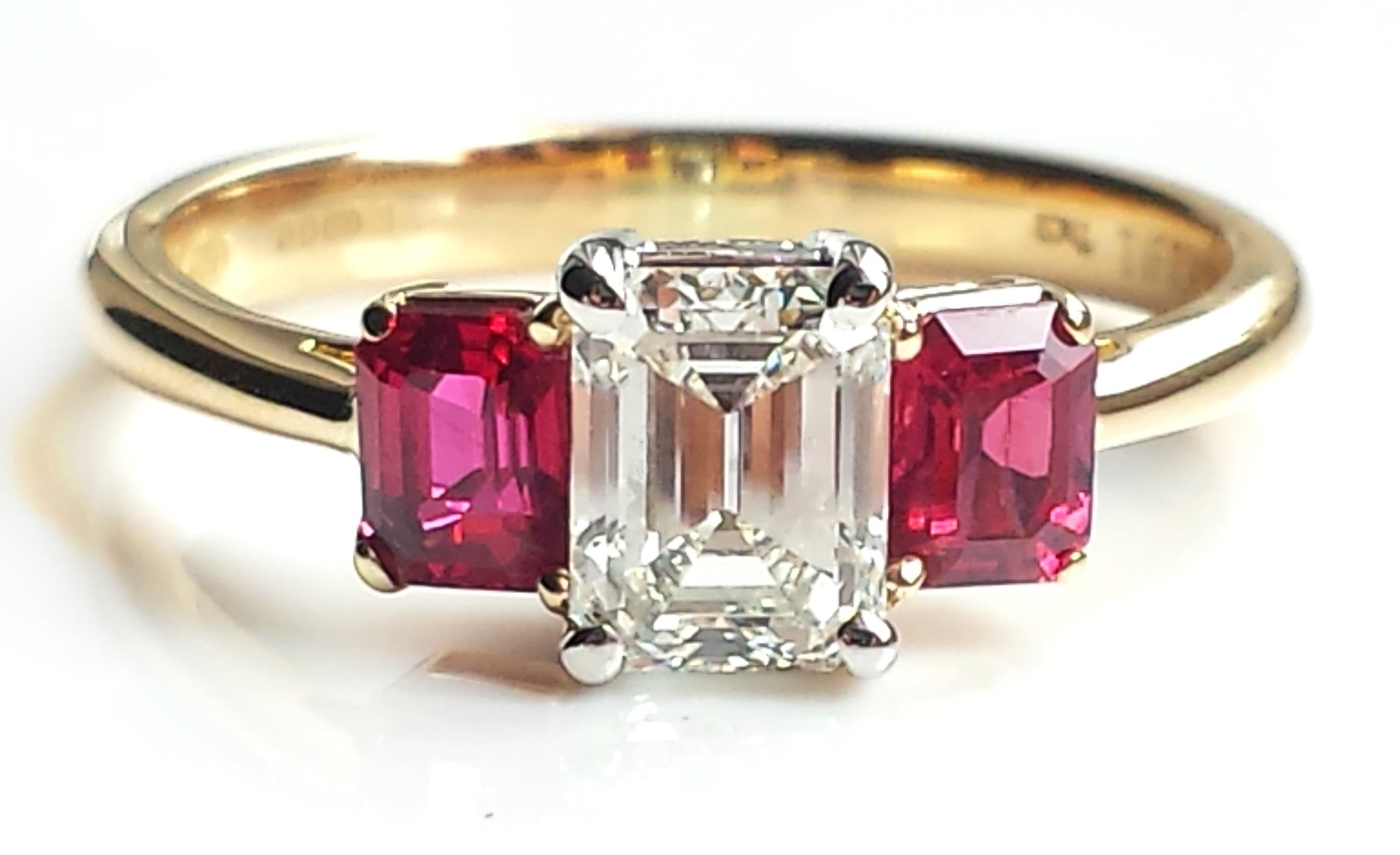 Ruby cut Emerald engagement rings pictures fotos