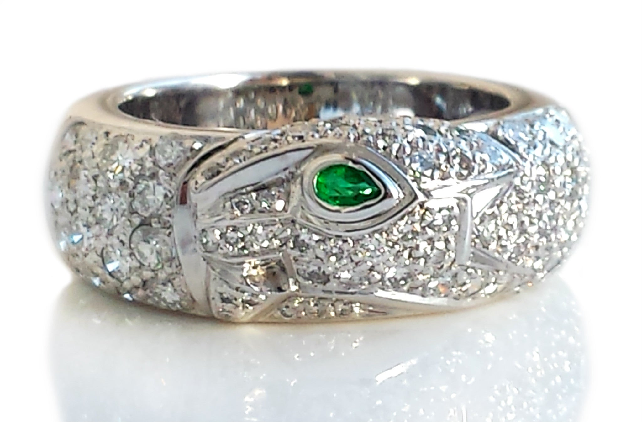 cartier white gold panthere and band onyx ring emerald jewelry diamond