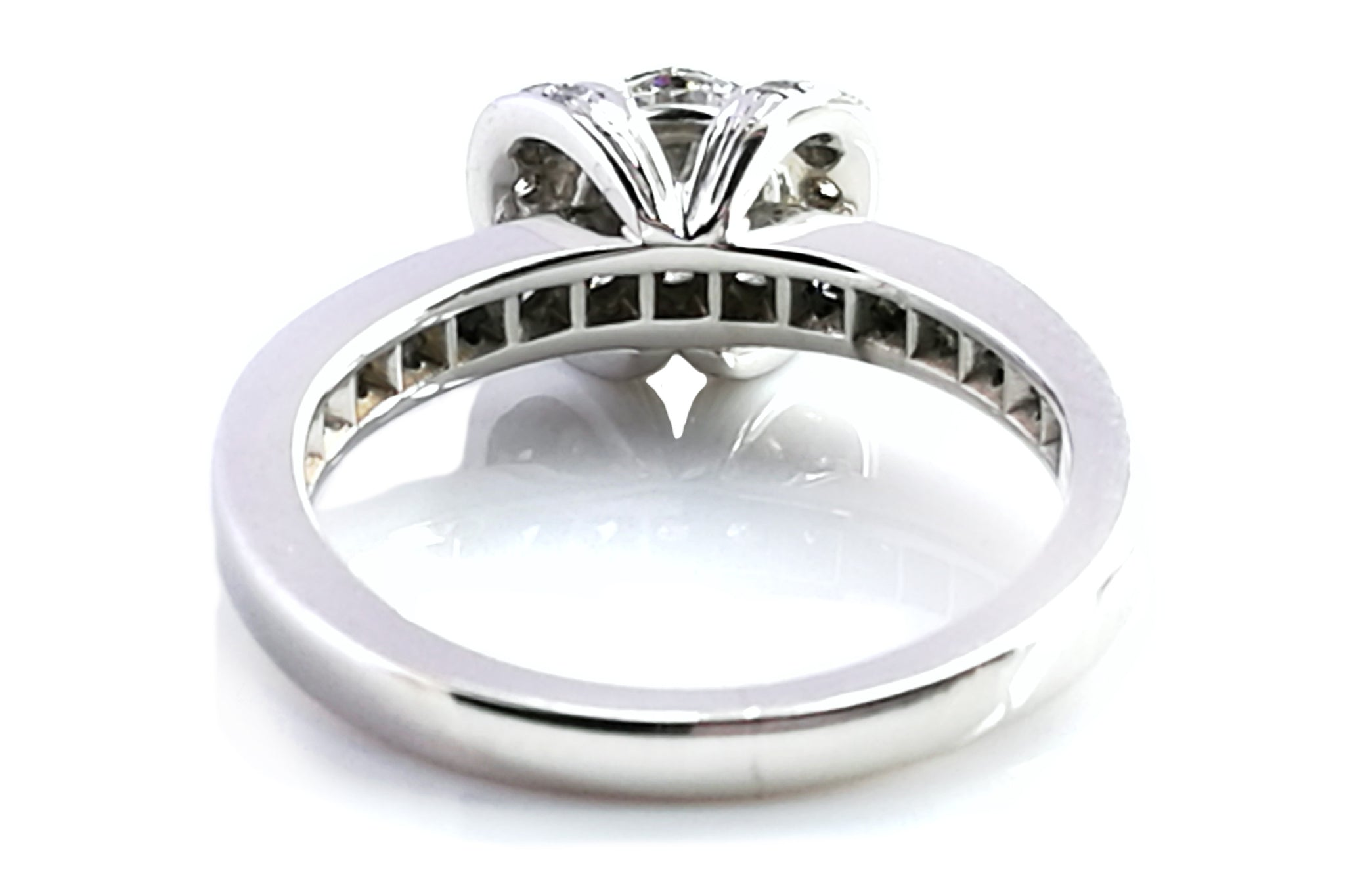 Tiffany & Co. 0.76tcw G/VVS1 Ribbon Triple X Round Brilliant Cut Diamond Engagement Ring