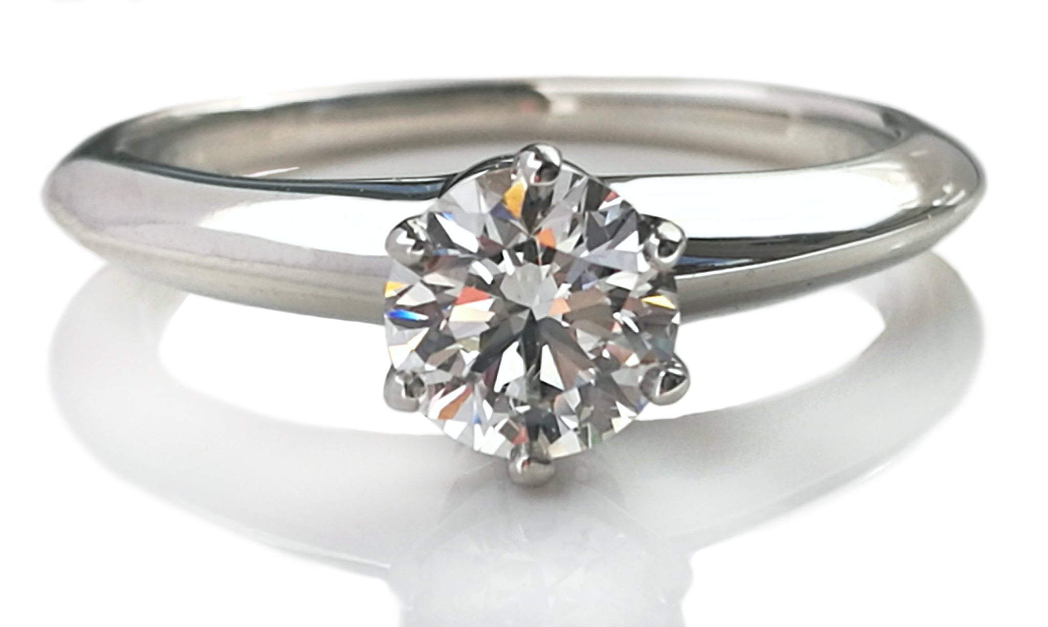Tiffany & Co. 0.54ct G/VS2 Round Brilliant Diamond Engagement Ring