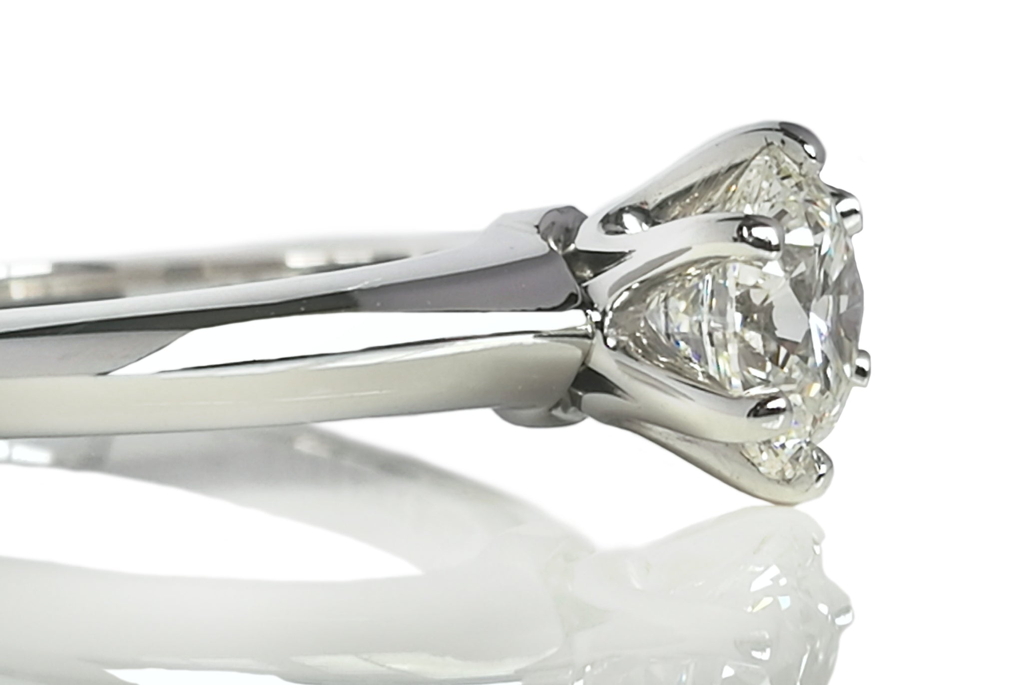 Tiffany & Co. 0.83ct G/VS1 Triple XXX Round Brilliant Diamond Engagement Ring SZ L