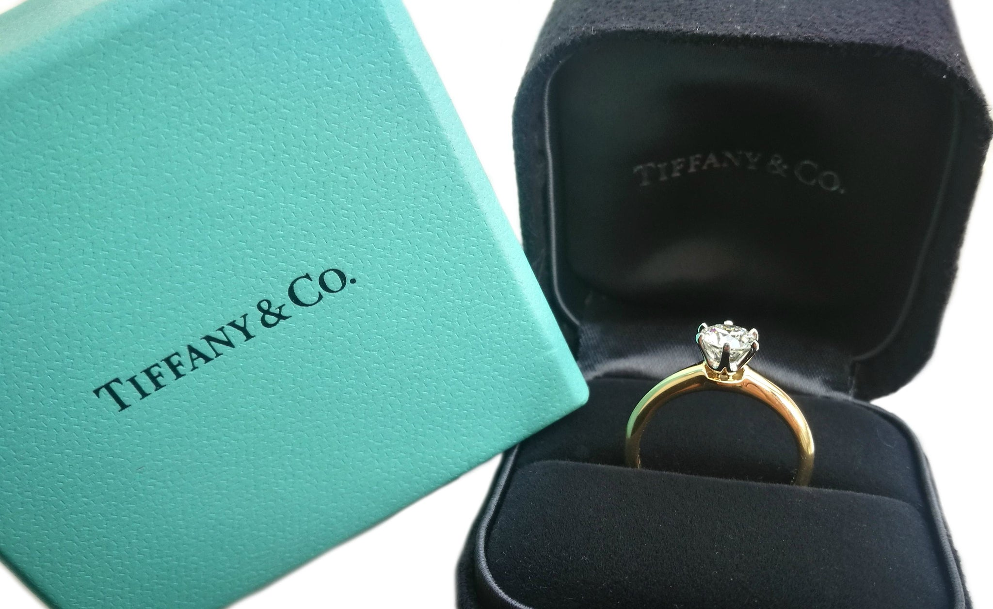 Tiffany & Co .63ct H/VS Round Brilliant Diamond Engagement Ring