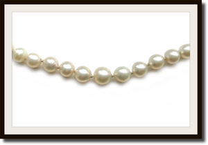 Edwardian Graduated Hand Knotted Cultured 8mm to 5mm Pearl Necklace Pearl Diamond Clasp 20in