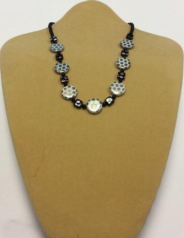 White Silver Black Vacuum Plated Glass Necklace