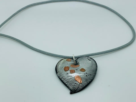 POLLY'S PLACE HEART PENDANT