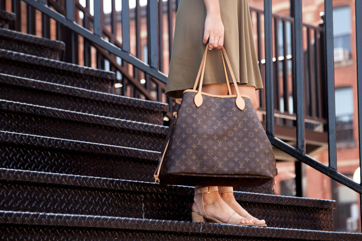 7bf69002a1c6 Everything You Need to Know About the Louis Vuitton Neverfull Tote