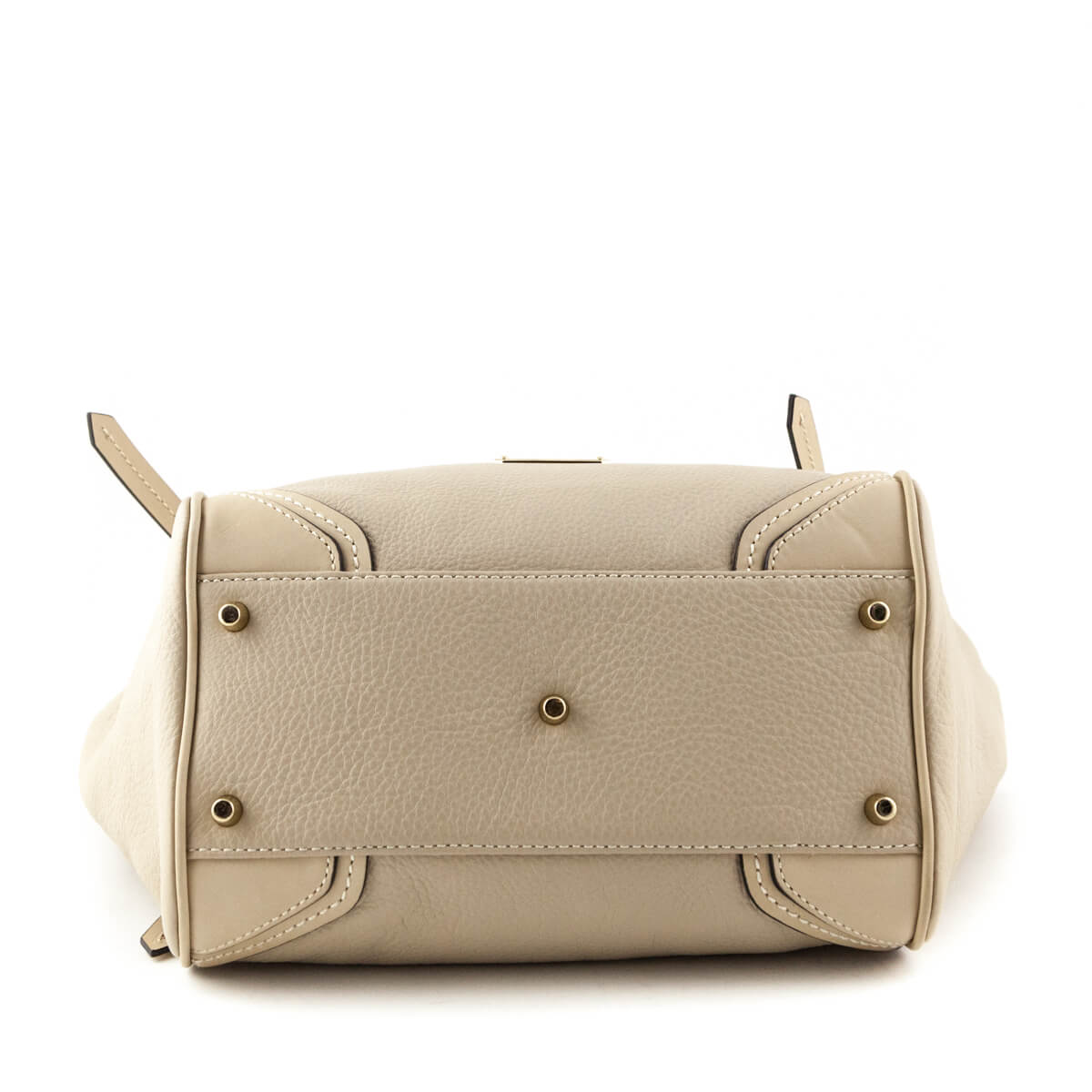 ddaac3d47acc ... Burberry Beige Leather Canterbury Tassel Tote w  Pouch - LOVE that BAG  - Preowned Authentic ...