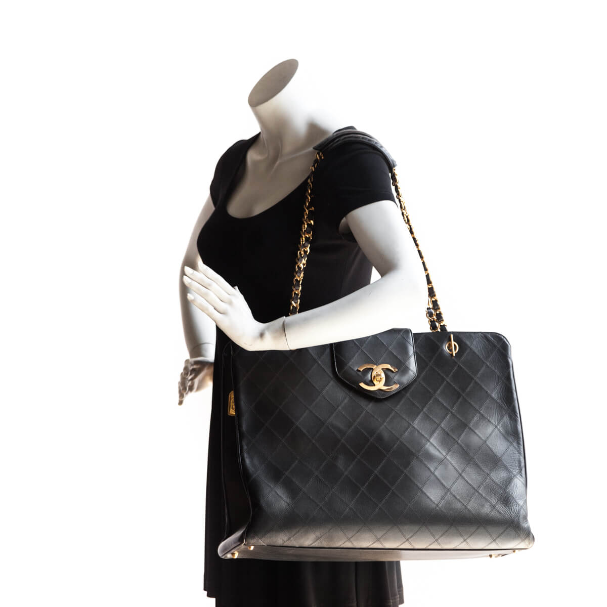 0ddc2c5f2b01 ... Chanel Black Lambskin Vintage Supermodel Tote - LOVE that BAG -  Preowned Authentic Designer Handbags