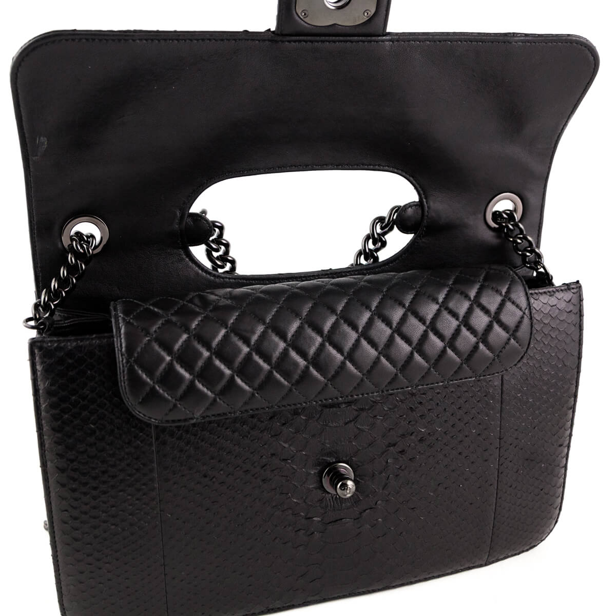 c11226dd8502 ... Chanel Black Python Perfect Edge Jumbo Flap Bag - LOVE that BAG -  Preowned Authentic Designer ...