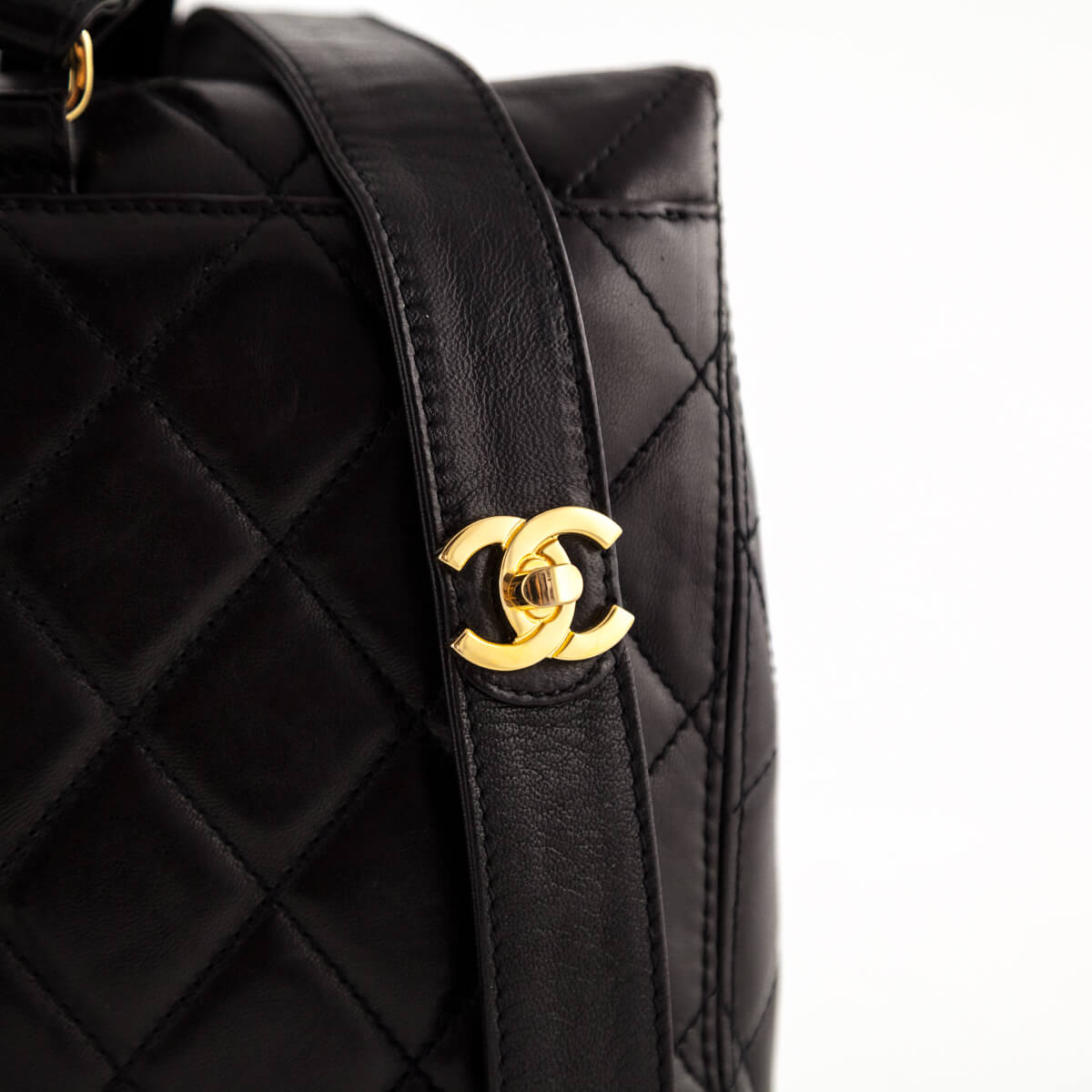 a04e8b7e49a9 ... Chanel Black Quilted Lambskin Vintage Backpack - LOVE that BAG -  Preowned Authentic Designer Handbags ...