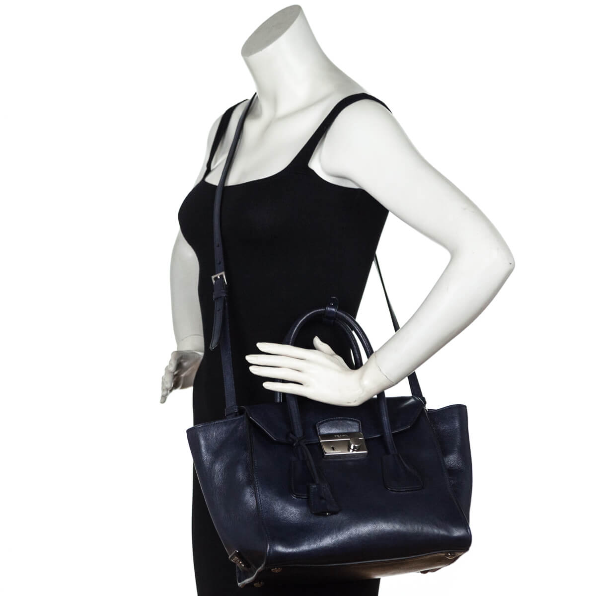4dc9263a2373 ... Prada Navy Daino Twin-Pocket Flap Bag - LOVE that BAG - Preowned  Authentic Designer