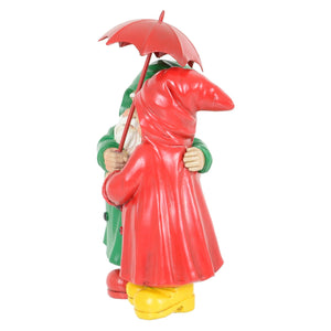 Side of the garden gnome couple ornament.