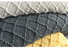 Load image into Gallery viewer, Knitted Throw Blanket
