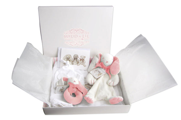 Why Maud'n'lil luxury organic gift boxes are the perfect baby shower gift