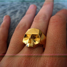 Load image into Gallery viewer, Gold skull ring (L, XL)