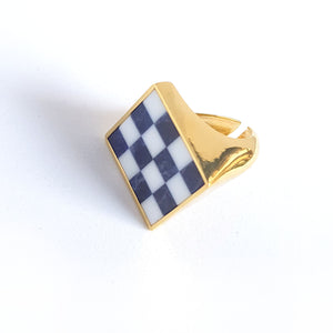Chess squares ring