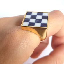 Load image into Gallery viewer, Chess squares ring