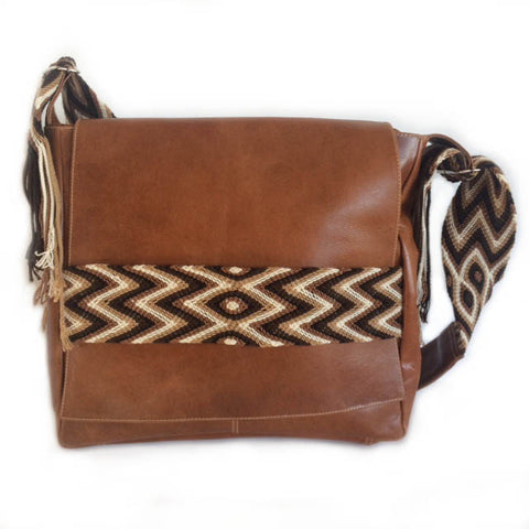 Wayuu Messenger Bag in Brown