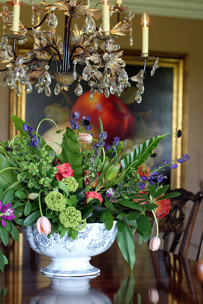 dining table arrangement by sewickley event florist