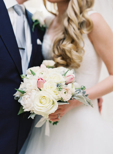 bridal bouquet at bedford springs wedding by pittsburgh event florist