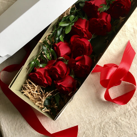 Gift Boxed Dozen Long Stem Roses