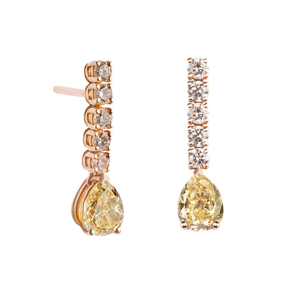 Pendientes de Oro con Diamantes Fancy talla Pera y Diamantes Blancos