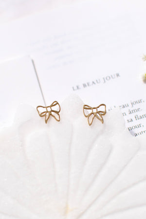 Delicate cottagecore bow earrings Amantine