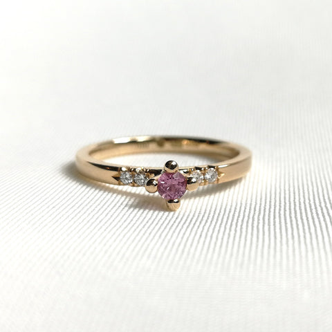 Molly - Ring med rosa safir och tw/vs diamanter