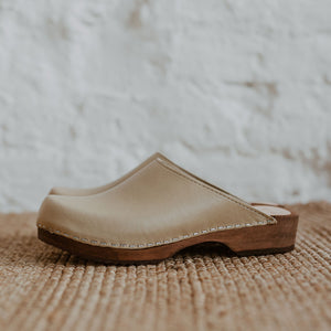 Stone beige coloured low classic style swedish clog