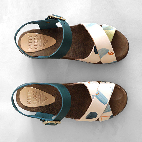 low heel clog sandal with hand-painted straps a contrasting blue/green leather ankle strap