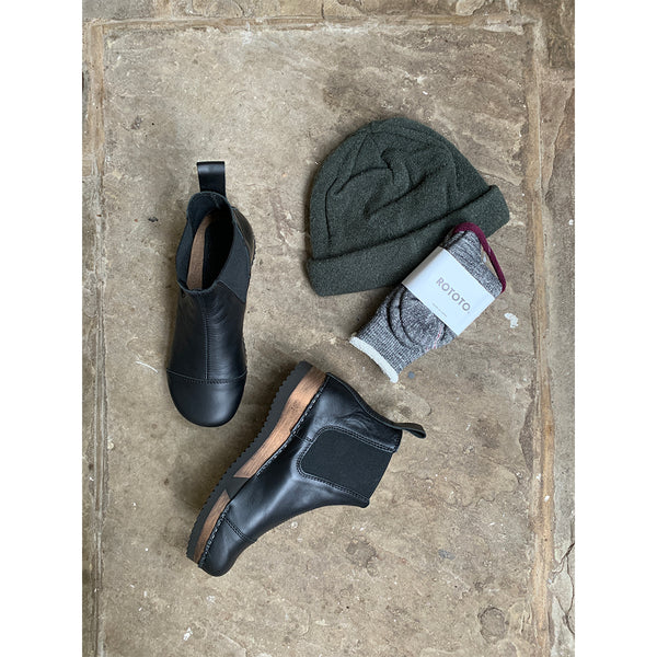 charcoal rototo socks hat and clog boots
