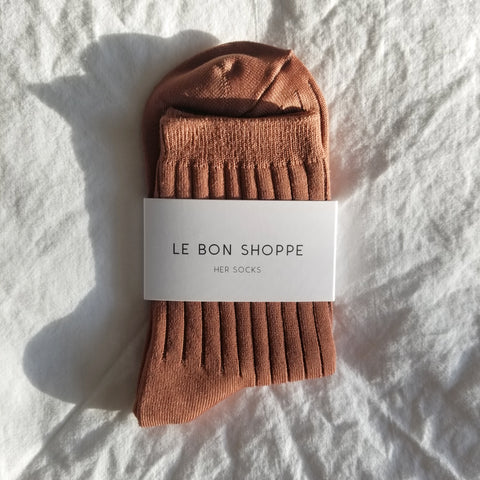 caramel coloured ribbed knitted ankle socks