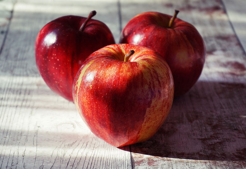 Apples and peanut butter make a healthy lunch snack for school