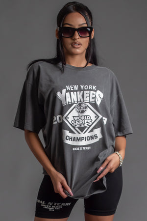 DARK GREY N WHITE YANKEES CHAMP TEE