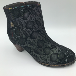 Laura Vita Alcizeeo black ankle boot with zip - Imeldas Shoes Norwich
