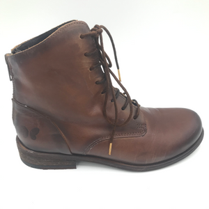 Felmini 8134 Cognac rear zip and lace up ankle boot